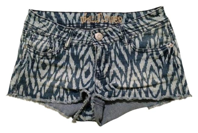 Preload https://item4.tradesy.com/images/wallflower-striped-aztec-two-tone-mini-short-shorts-1109718-0-1.jpg?width=400&height=650