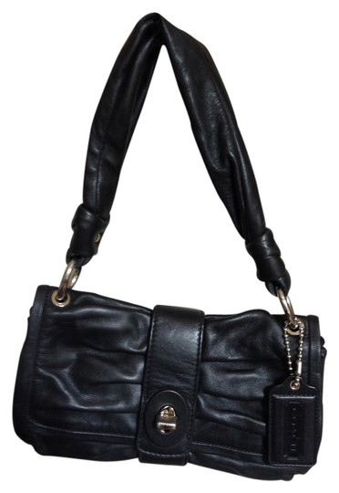 Preload https://item2.tradesy.com/images/coach-13438-parker-small-flap-purse-black-leather-shoulder-bag-1110471-0-0.jpg?width=440&height=440
