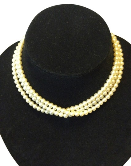 Preload https://item4.tradesy.com/images/unknown-vintage-faux-pearl-necklace-1110973-0-0.jpg?width=440&height=440
