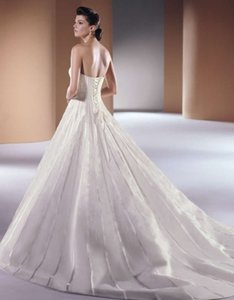 Anjolique Ivory Style 603 Waterfall Formal Wedding Dress Size 8 (M)