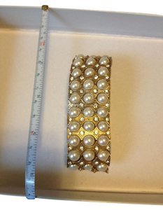 Other Vintage gold tone and faux pearl bracelet