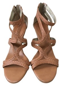 Banana Republic Leather Strappy Heels camel Pumps