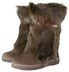 Bearpaw Maple Boots