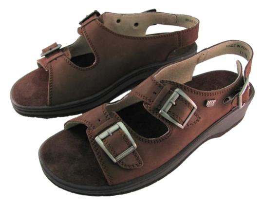 arch crafters Suede 3 Buckles Size 10.50 M New brown Sandals