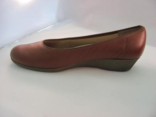 Softspots Leather Size 8.00 Good Condition TAN Wedges