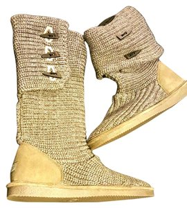 Bearpaw Gray Boots