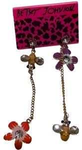 Betsey Johnson New Betsey Johnson Earrings dangle bees and flowers J216