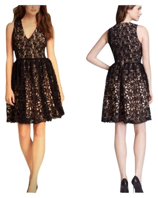 Preload https://item2.tradesy.com/images/french-connection-daisy-chain-lace-above-knee-cocktail-dress-size-0-xs-1112266-0-0.jpg?width=400&height=650