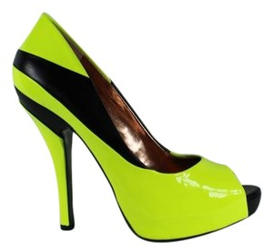 BCBGeneration Peep Toe High Heel 80's Women's Bcbg Bcbg Liberty Neon yellow / Black Pumps