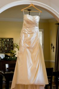 Essense of Australia Oyster Dolce Satin 5587 Formal Wedding Dress Size 14 (L)