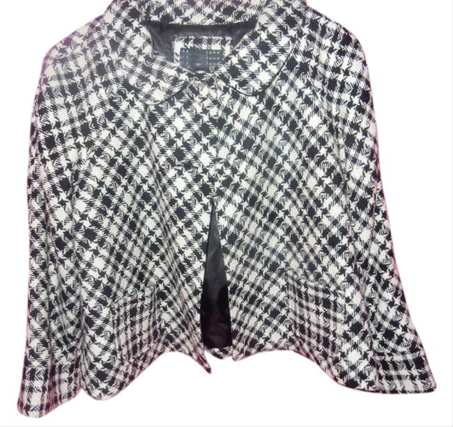 Preload https://img-static.tradesy.com/item/11126692/apostrophe-black-and-white-jacket-size-petite-12-l-0-1-650-650.jpg