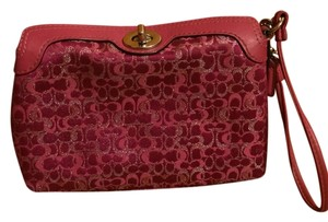 Coach Leather Vintage Wristlet in Pink
