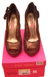 Betsey Johnson Brown/bronze Pumps
