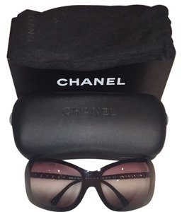 Chanel Channel shades