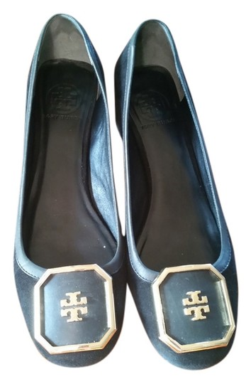 Preload https://img-static.tradesy.com/item/11133781/tory-burch-black-suede-patent-pumps-size-us-95-regular-m-b-0-1-540-540.jpg