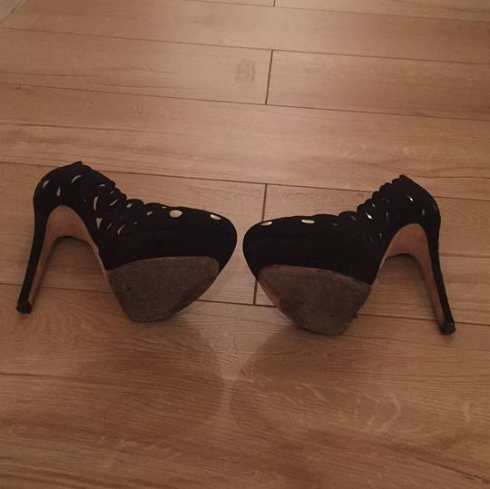 Alice + Olivia Black and gold Pumps