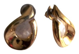Artistry Artistry Gold Plated Vintage Pierced Earrings