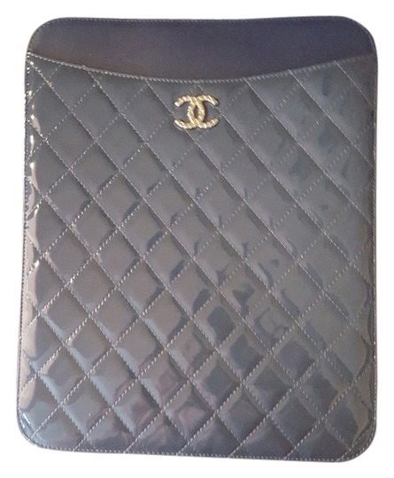 Preload https://img-static.tradesy.com/item/11141698/chanel-ipad-cover-blue-patent-leather-laptop-bag-0-2-540-540.jpg