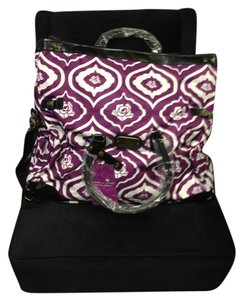 Isabella Fiore Purple/White Travel Bag
