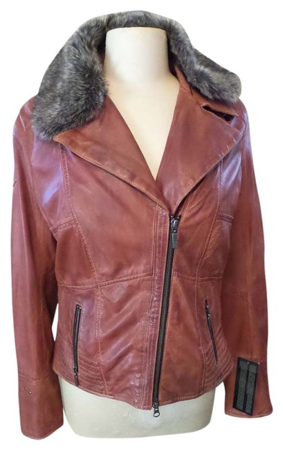 Preload https://img-static.tradesy.com/item/11144248/bagatelle-rust-leather-jacketremovable-faux-fur-collar-motorcycle-jacket-size-8-m-0-1-650-650.jpg