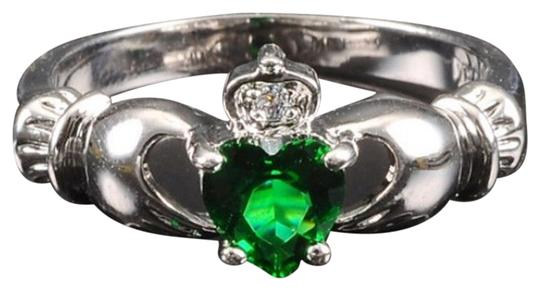 Preload https://img-static.tradesy.com/item/11146342/silveremerald-bnwot-claddagh-and-cz-gemstone-size-7-ring-0-1-540-540.jpg