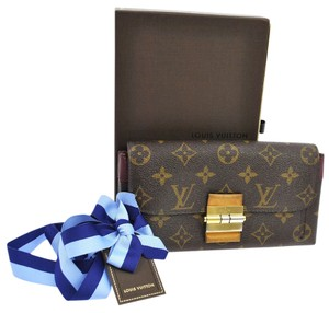 Louis Vuitton $1800 Louis Vuitton Monogram Clutch Wallet