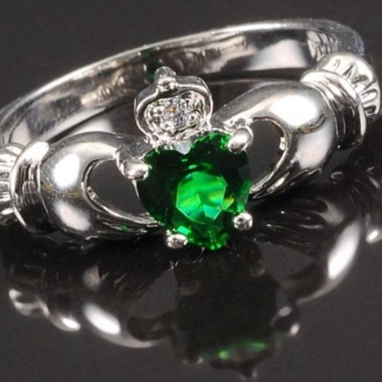Other BNWOT ~ Emerald Claddagh and CZ Gemstone Ring, Size 9