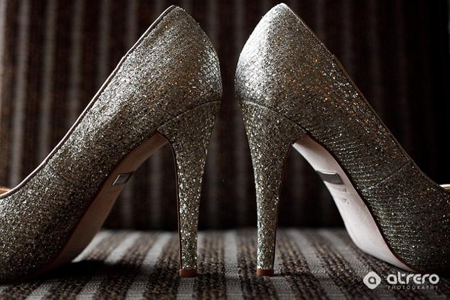 Item - Gold Sparkle Glitter Formal Size US 7.5