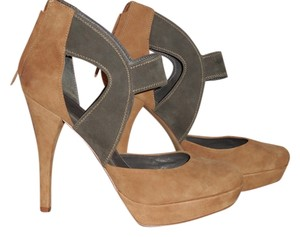 7 For All Mankind Camel and Gray Pumps