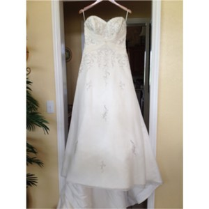 Mori Lee Ivory Traditional Wedding Dress Size 8 (M)