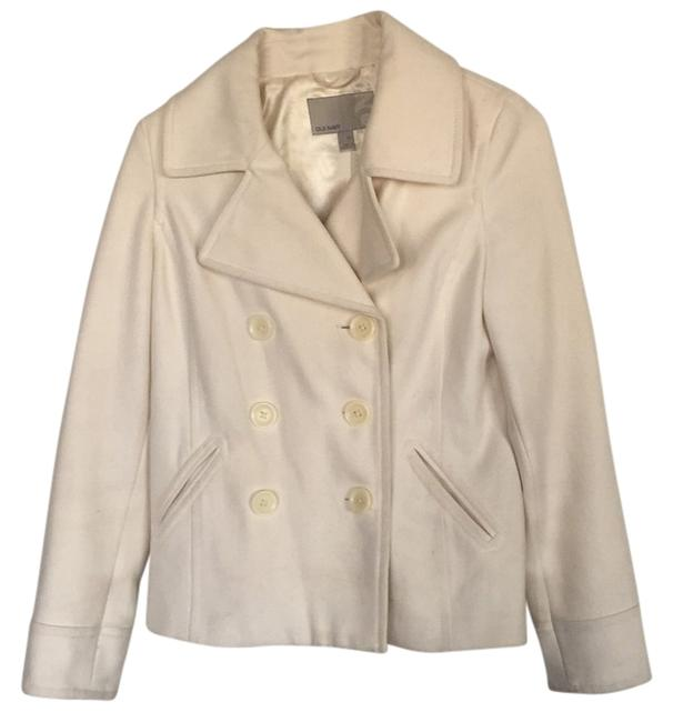 Preload https://img-static.tradesy.com/item/11148205/old-navy-ivory-coat-size-2-xs-0-2-650-650.jpg