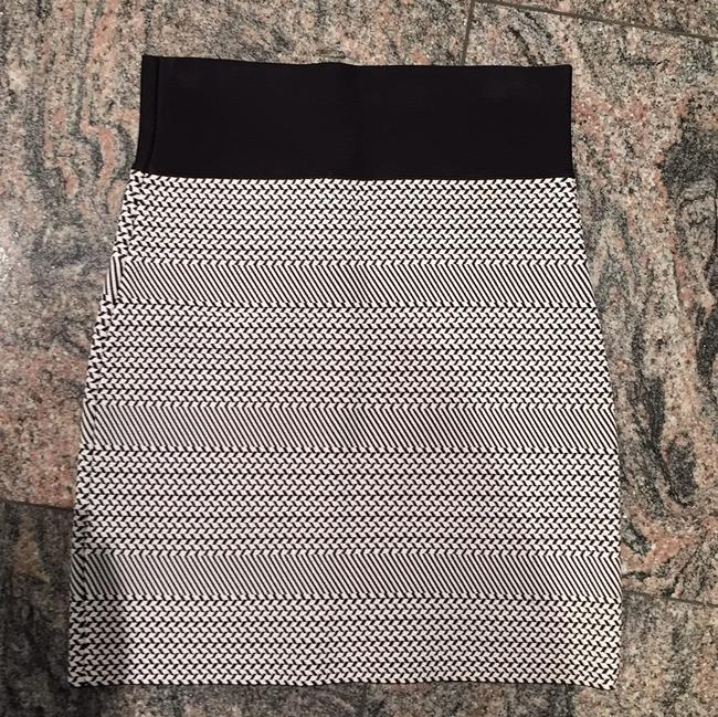 BCBGMAXAZRIA Mini Mini Skirt Black and white