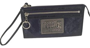 Coach POPPY LARGE WRISTLET WALLET DARK PURPLE