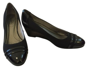 LifeStride black Wedges