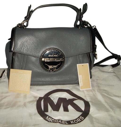 Preload https://img-static.tradesy.com/item/11151952/michael-kors-large-grayblack-leather-shoulder-bag-0-1-540-540.jpg