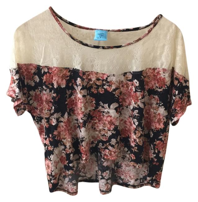 Preload https://img-static.tradesy.com/item/11155723/nordstrom-black-floral-crop-tee-shirt-size-4-s-0-2-650-650.jpg