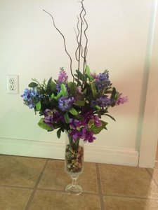 14 Centerpieces - Flowers In Glass Vase