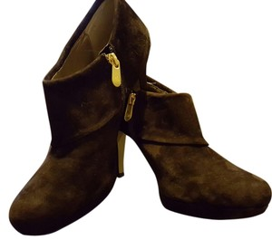 Adrienne Vittadini Suede Brown Boots