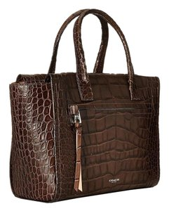 Coach Satchel in MATTE BROWN