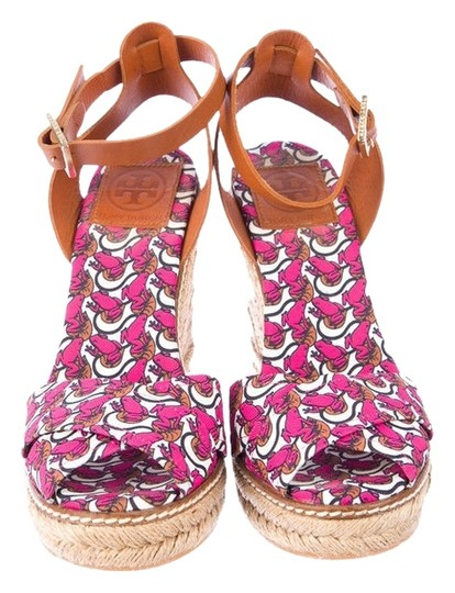 Preload https://item2.tradesy.com/images/tory-burch-pink-lilypad-wedges-size-us-11-regular-m-b-1116011-0-0.jpg?width=440&height=440