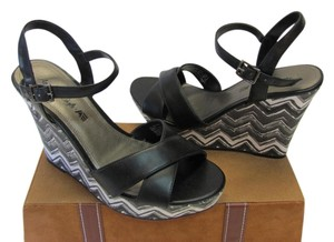 American Eagle Outfitters Size 8.00 M Black, Gray, White Platforms