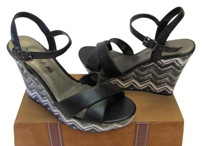 Item - Black Gray White M Very Good Condition Platforms Size US 8 Regular (M, B)
