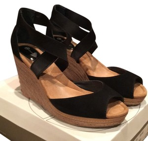 Giani Bernini Blac Wedges