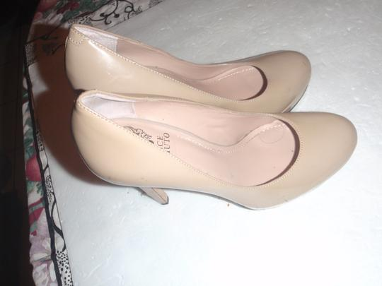 Vince Camuto Size 8 High Heeles Pumps peach Platforms