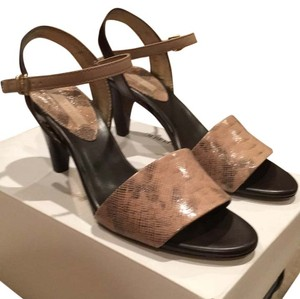 Banana Republic Sesame Sandals