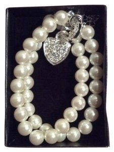 Avon Avon Gloria Pearlesque Heart Charm Necklace