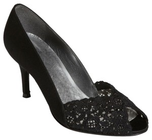 Stuart Weitzman Salon Wedding Formal Lace Black Pumps