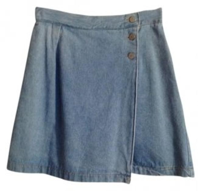 Preload https://img-static.tradesy.com/item/11175/light-blue-denim-miniskirt-size-10-m-31-0-0-650-650.jpg
