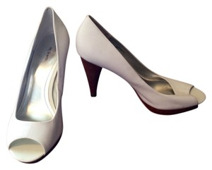 Style & Co Leather Wooden Heel Peek Toe Celine White Pumps