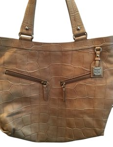 Dooney & Bourke Satchel in Camel/Tan